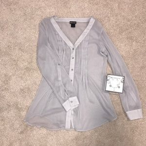 NWOT Wet seal gray blouse AND JEWELRY